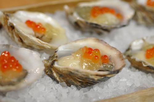 Uchi-oysters.jpg