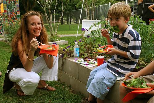 AmyAnton_with boys2008.jpg